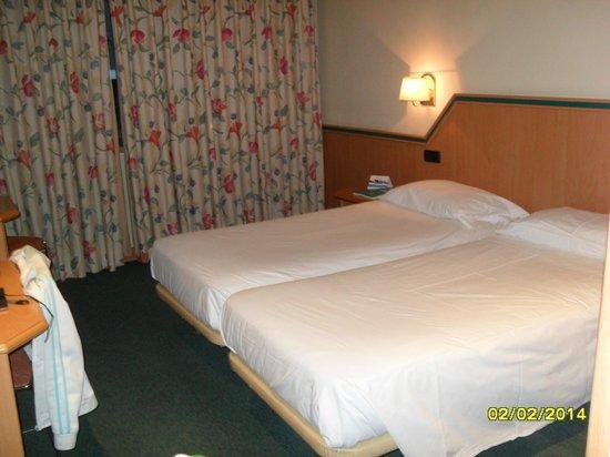 Hotel Praga : Habitacion