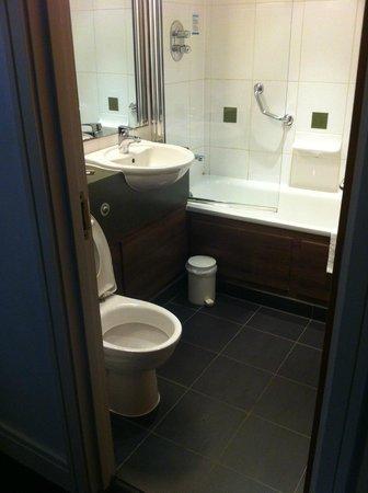 De Vere Beaumont Estate: bathroom