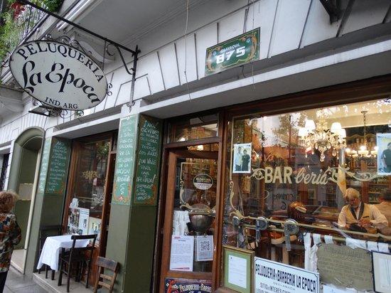 Buenos Aires, Argentinien: Barberia y peluqueria Epoca