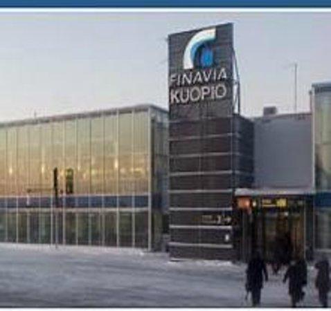 Viikinkiravintola Harald: Aeropuerto Kuopio