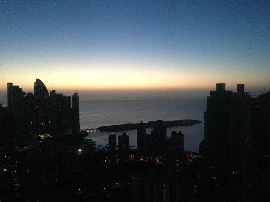 Hard Rock Hotel Panama Megapolis: lever du soleil vue de la chambre