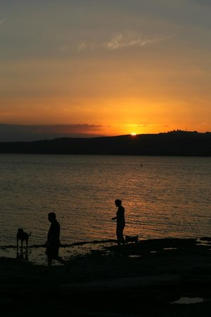 The Reef Resort - Heritage Collection : Taupo Beach at dusk