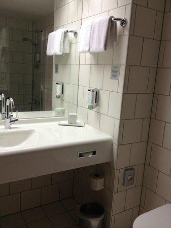 Arcotel Kaiserwasser: banheiro