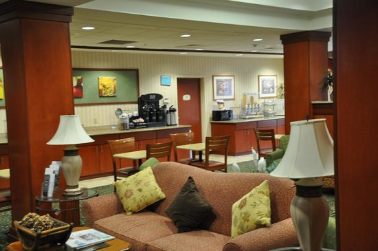 Fairfield Inn & Suites by Marriott Marshall: Dining Room Area