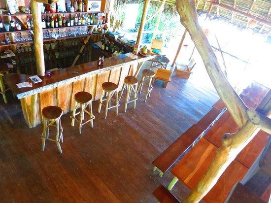 Al Natural Resort: Bar and dining area