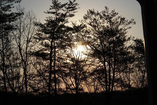 Mtn Laurel Creek Inn & Spa: Sunrise