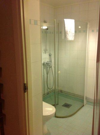 Hellsten Helsinki Parliament : Bathroom