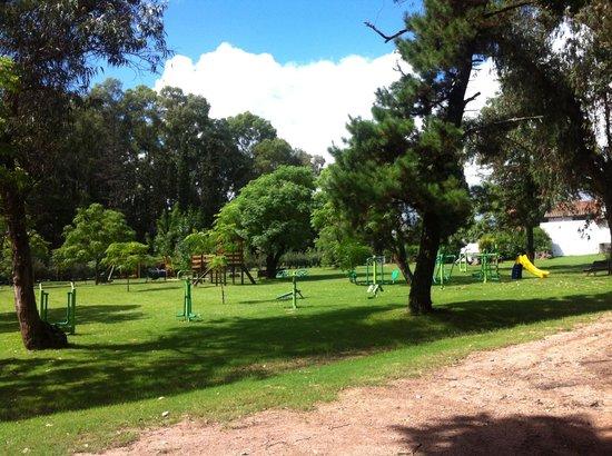 Hotel Nirvana: Zona de ejercicios y juegos para niños