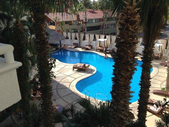 Bahia Hotel & Beach House : The pool.