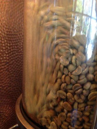 Javatinis Espresso & Gelato: Watch coffee being roasted