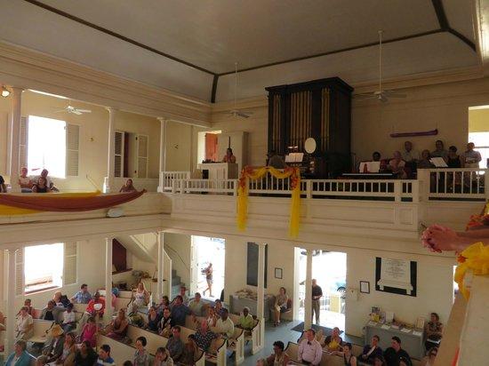St Thomas Reformed Church : Choir loft and organ