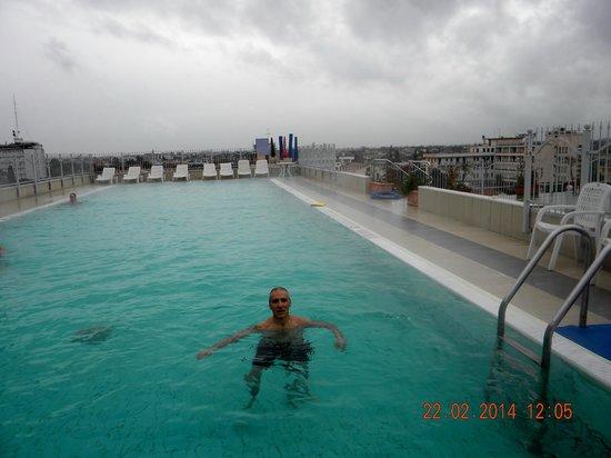Hotel Alexander Palace: piscina termale esterna