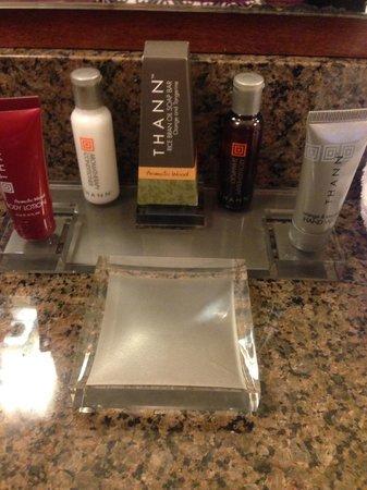 New York LaGuardia Airport Marriott: Bathroom Amenities