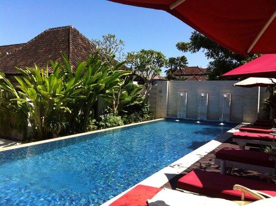 Ivory Resort Seminyak: Magnificent pool