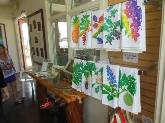 Amy B.H. Greenwell Ethnobotanical Garden : Tapestry and wall art