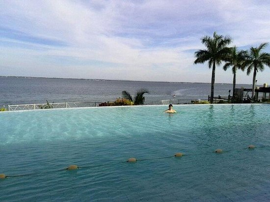Sotogrande Hotel & Resort : プールからの景色です。