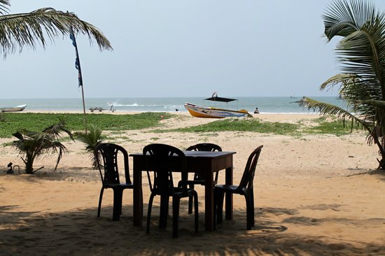 Sevana Beach Restaurant And Pub: Look sea