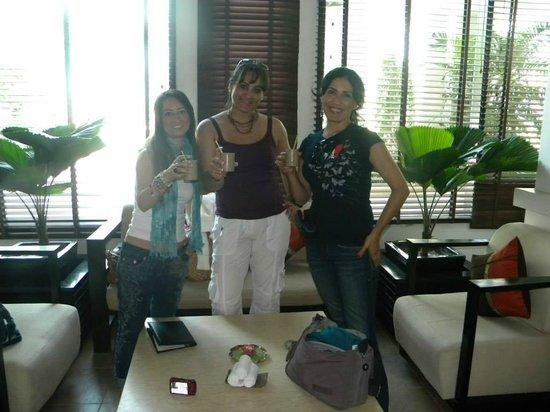 Tara Angkor Hotel: Te de bienvenida