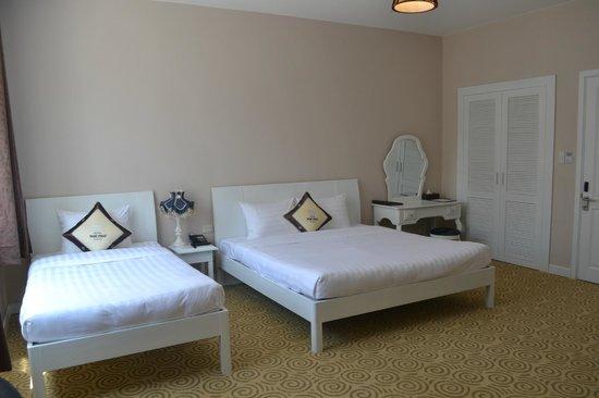 Ngoc Phat Hotel: Standard Queen Twin