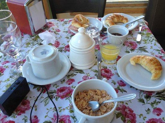 Hosteria Foike: Café da manhã