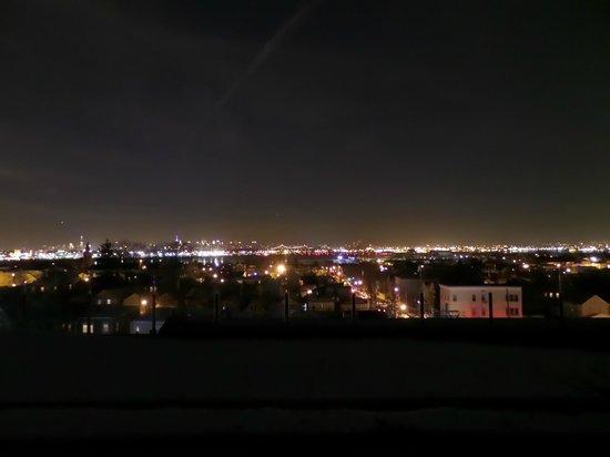 Hotel de Point: uitzicht vanaf het dak s avonds karaoke disco