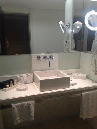 Hotel Gran Marquise : Banheiro