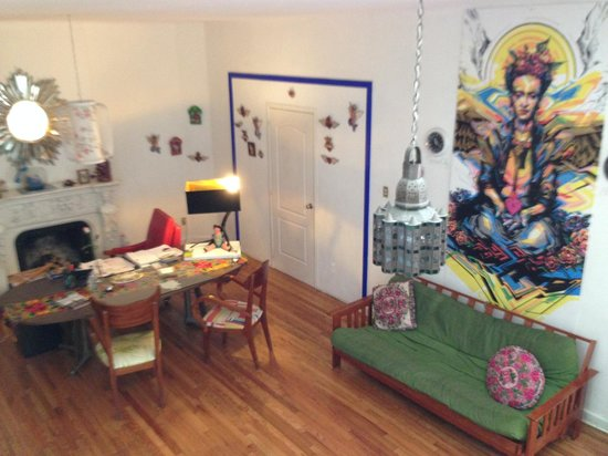 Hostal B&B Dos Fridas y Diego: The lobby/parlor
