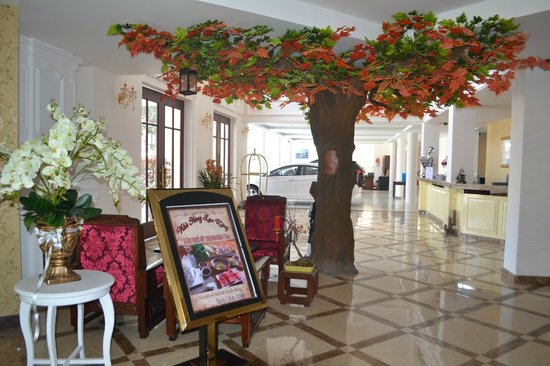 Ngoc Phat Hotel: Lobby