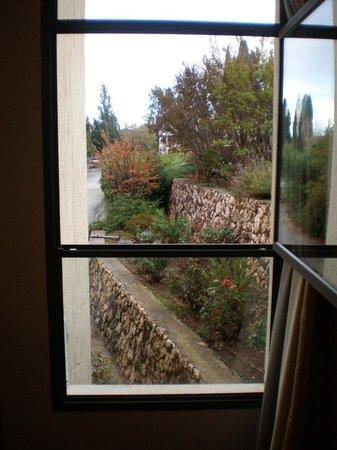 Kfar Giladi Hotel: vista al jardin