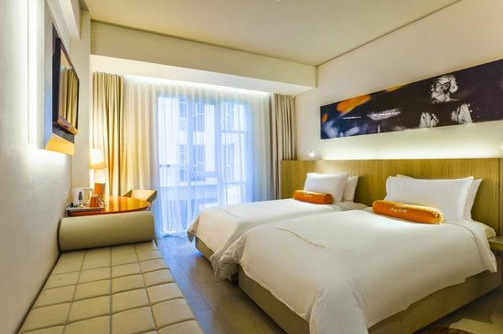 HARRIS Hotel Kuta : HARRIS Room at HARRIS Raya Kuta, Twin beds