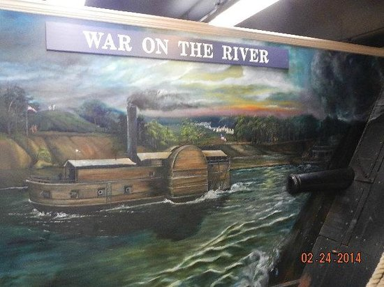 Tennessee River Museum : naval vessels