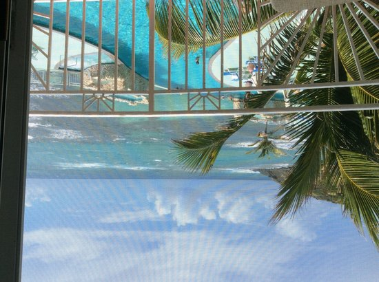 Oyster Bay Beach Resort: Ocean view from our balcony!