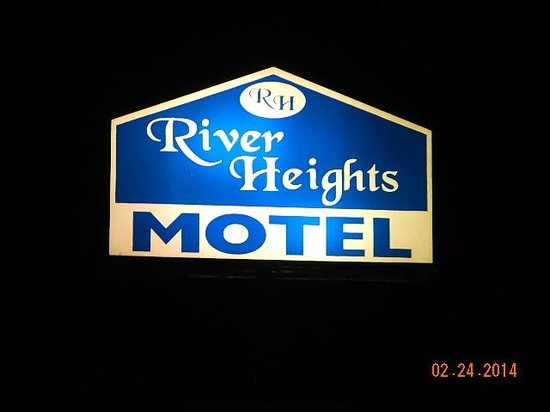 River Heights Motel: street sign at night