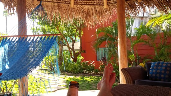 Boardwalk Hotel Aruba: Gazebo in the garden - perfect for relaxing with a book