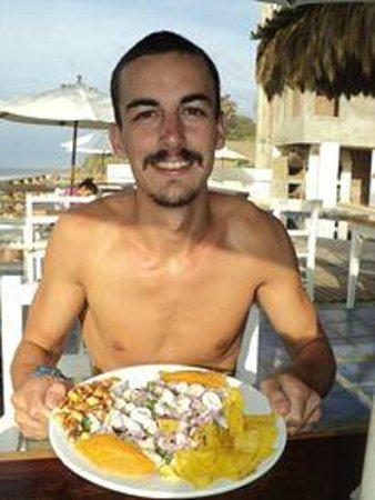 Hotel Puerto Palos: Ceviche completooo