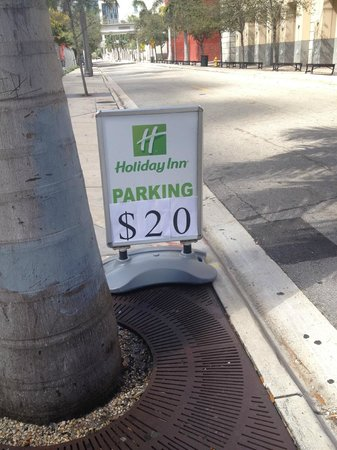 Holiday Inn Port of Miami Downtown: Discrepency in parking price