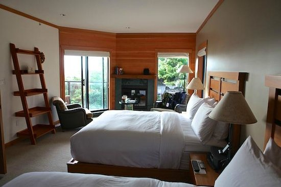 Wickaninnish Inn and The Pointe Restaurant: End room, Room 101