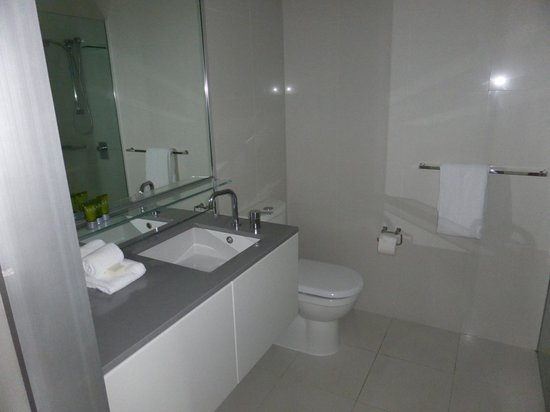 Mantra Circle on Cavill: Bathroom in one bedroom