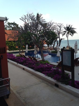 Renaissance Koh Samui Resort & Spa: Pool and sea view