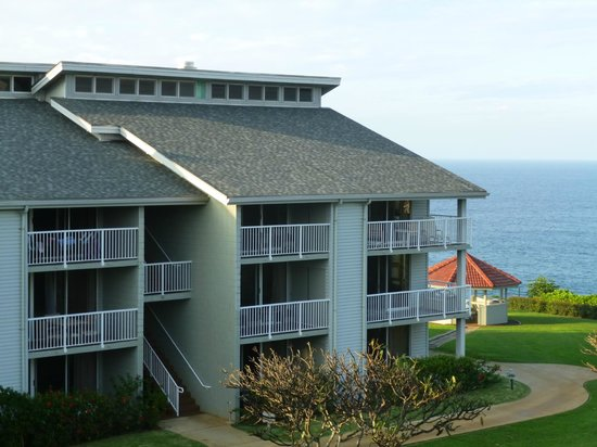 The Cliffs at Princeville: View of additional building on grounds