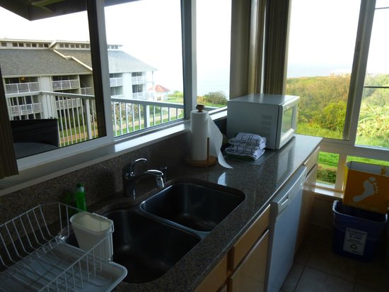 The Cliffs at Princeville: Kitchen