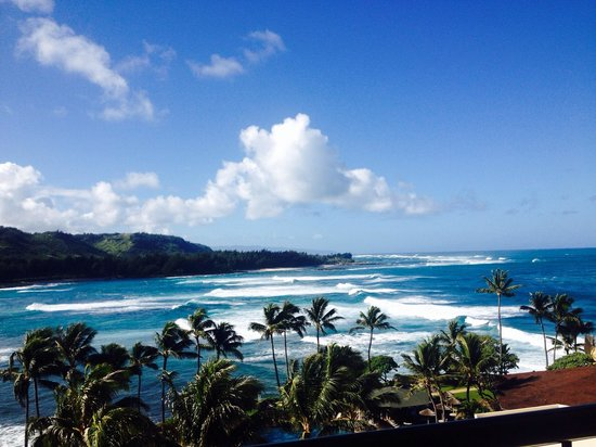 Turtle Bay Resort: Watch surfers from your balcony