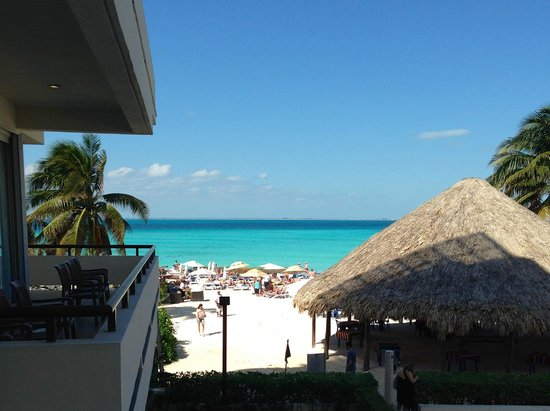 Ixchel Beach Hotel : View from our balcony