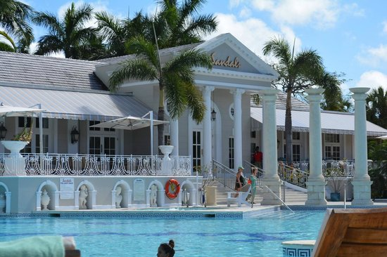 Sandals Royal Bahamian Spa Resort & Offshore Island: picture from the pool