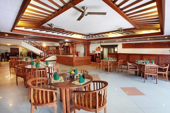Grand Inna Kuta : Putri Duyung Cafe