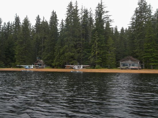 Thayer Lake Wilderness Lodge : Float Planes at Rest, Thayer Lake Lodge, Admiralty Is. AK.