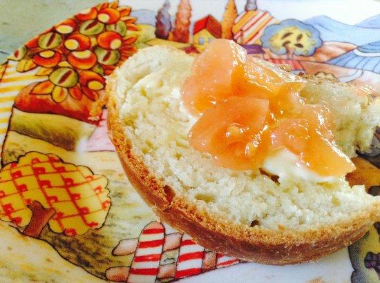 El Tabano : Fresh Baked Bread and Marmelade