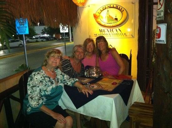 Langosteria Maya Restaurant: Cousin fun dinner!
