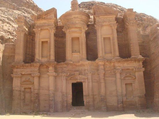 trip extension jordan petra wadi