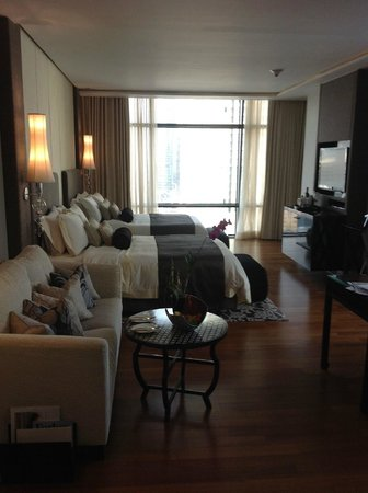 The St. Regis Bangkok : Corner Suite